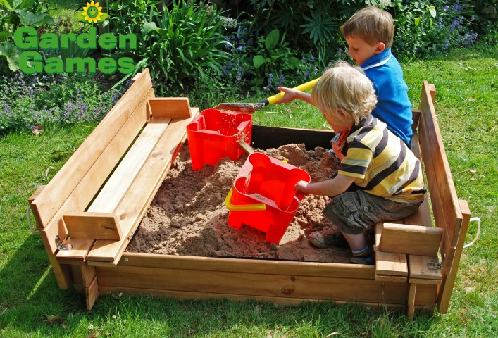 ZZATJE42 Wooden Square Sandpit with benches and cover 003