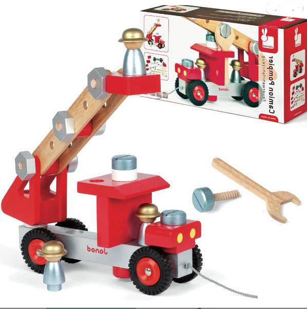J06498 Janod DIY Fire Truck 002