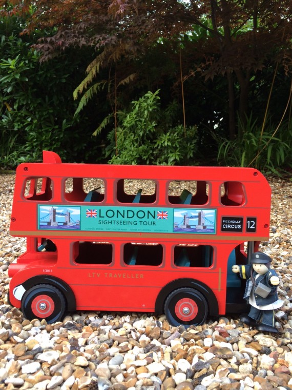 TV469 London Bus with Driver by Le Toy Van 003