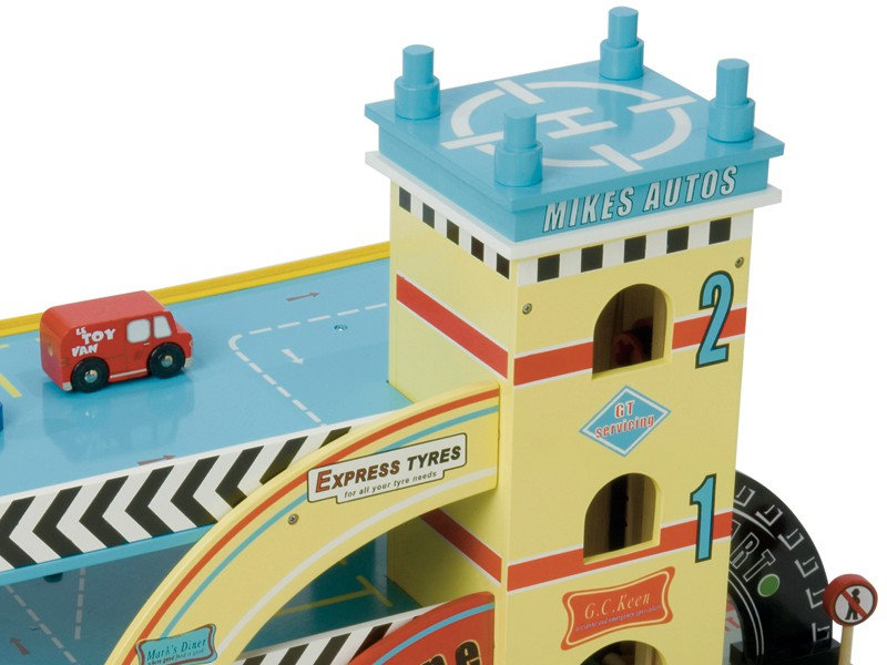 TV420 Mikes Auto Garage by Le Toy Van 002