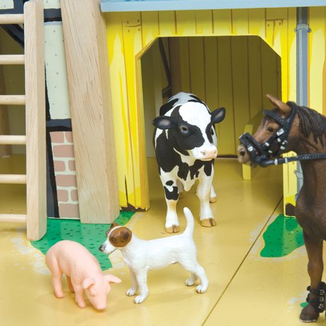 TV410 Wooden Farmyard by Le Toy Van 002