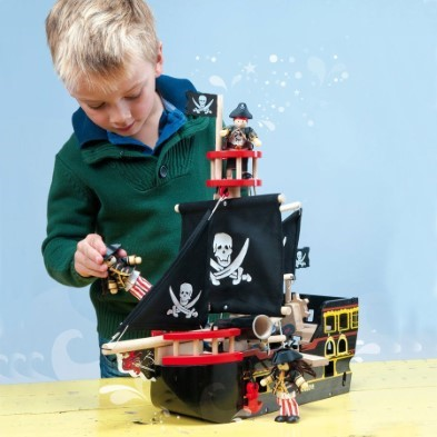 TV246 Barbarossa Pirate Ship by Le Toy Van 005