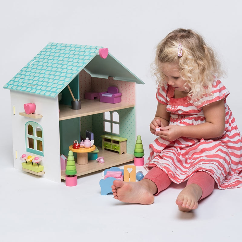 H171 Evergreen Doll's House With Furniture by Le Toy Van 002