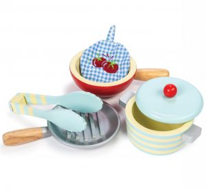 TV301 Pots and Pans by Le Toy Van 001