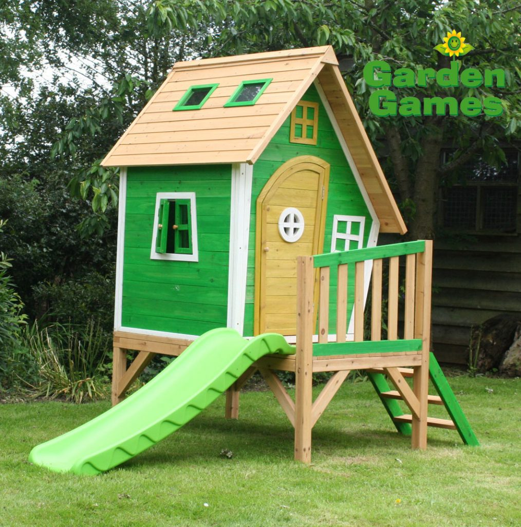 ZZ3247 Whacky Tower Wooden Playhouse 002