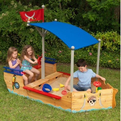 ZZ00128 Pirate Sandboat 003