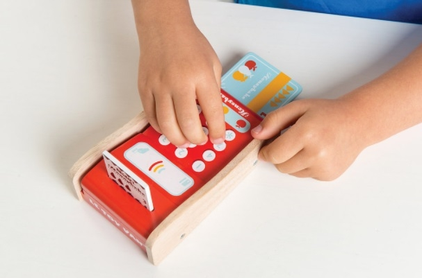 Le Toy Van card machine 003