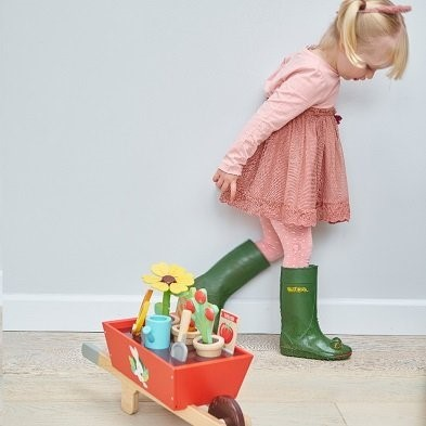 girl with tender leaf toys garden toy wheelbarrow set tl8357