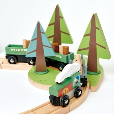 tender leaf toys wild pines train set train detail 2